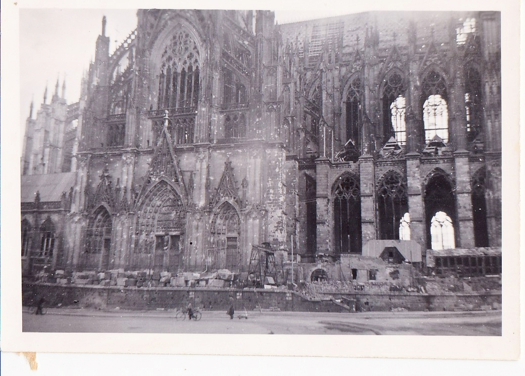 Cologne cathedral ww2 images for Koln ww2