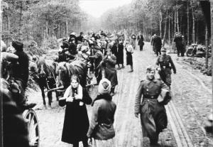 German refugee column headed west or to ports of embarkation to escape the Red Army.