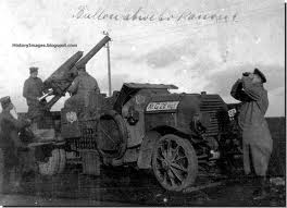 The observation balloons of both sides were protected by a variety of anti-aircraft guns. Here is a German MG mounted on a truck for the purpose.