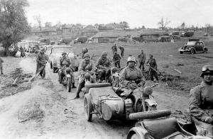 The Germans used a lot of motorcycles (BMWs and Zundapps) in WW2 especially in the early part of the war. Most pictures show the riders with goggles.