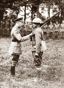 King George V decorates an American Doughboy, WW1